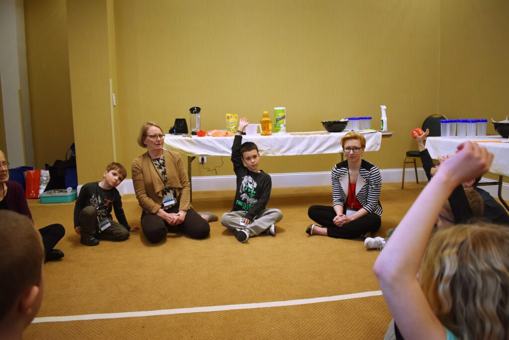 kids answering questions with nutritionists